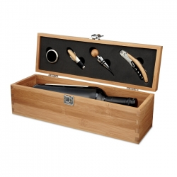 Wine set in bamboo box
