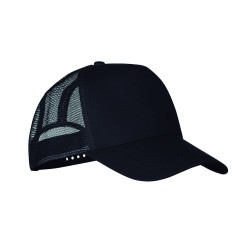 5 panel truckers cap in polyester with adjustment plastic snap closure